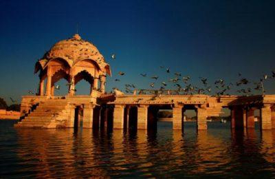 1403268556Gadisar-Lake-image-courtesy-Neelima-Vallangi